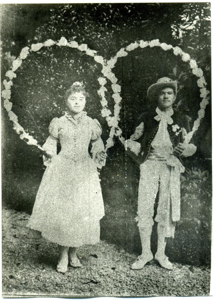 Reine des Treilles et Cap de joven pour la venue de Louis Napoléon Bonaparte en 1892 (Photographie en daguerréotype)